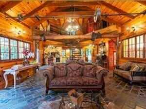 History Cottage Interior 300 x 225